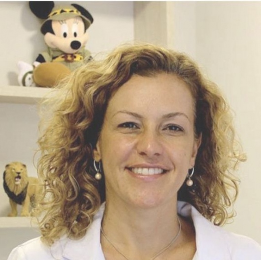 Claudia Maua Comodo