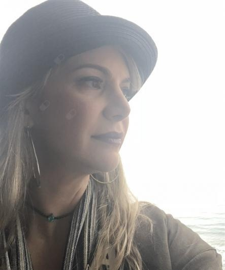 Adriana Valadares Neto