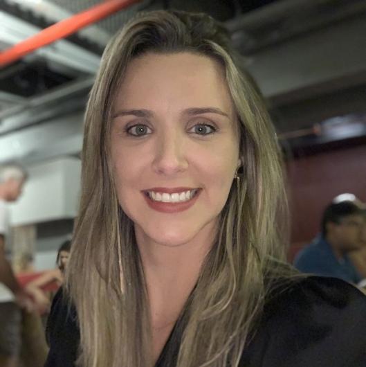 Andreia C. Eslabão de Araujo
