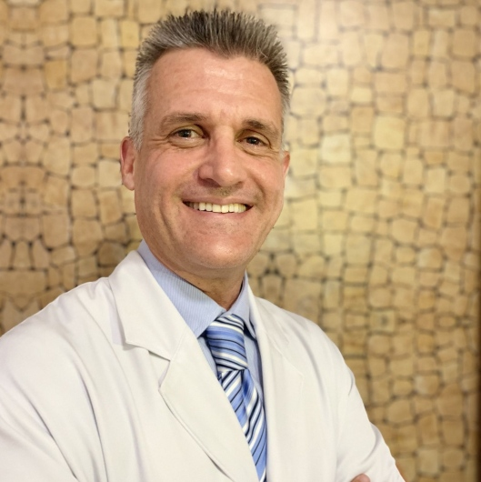 View opinions on Dr. Luciano da Silva Guimarães and get an appointment