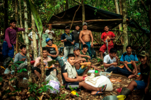 Mundurukus reunidos para as atividades de autodemarcação. Foto: Marcio Isensee e Sá