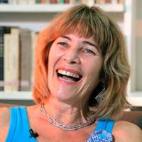 Lúcia Velloso Maurício é doutora em Educação pela Universidade Federal do Rio de Janeiro (UFRJ), com pós-doutorado pela Universidade Complutense de Madri e Universidade Estadual do Ceará (Uece), tem experiência na área de Educação