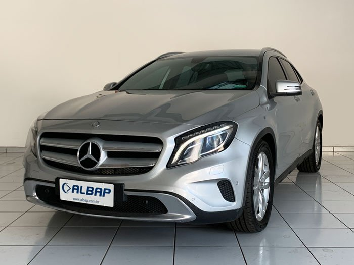 MERCEDES-BENZ - GLA 200