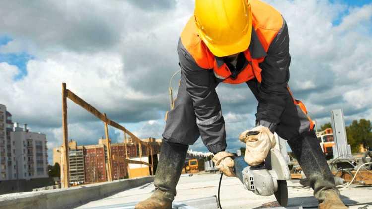 Mortes por choques elétricos entre pedreiros e pintores aumentaram 175% nos últimos 4 anos