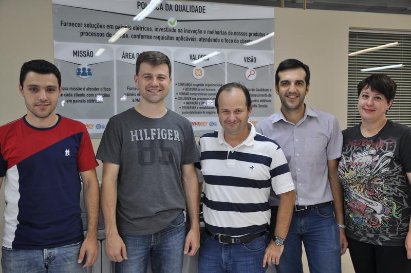 Equipe de Gestores da Engerey comemora conquista da ISO 9001:2015