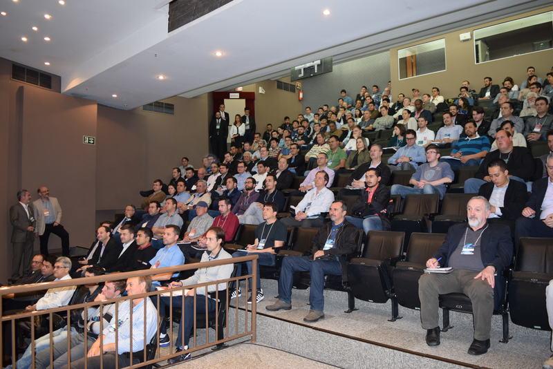 O Cinase Curitiba 2016 registrou a presença de 460 profissionais do setor elétrico.