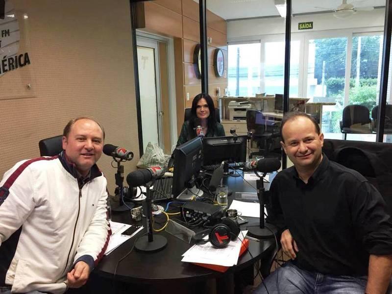 Entrevista para a Rádio Transamérica Light, programa da jornalista Maria Rafart.