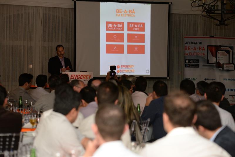 Fábio Amaral, diretor da Engerey, fez apresentação do Aplicativo durante o evento