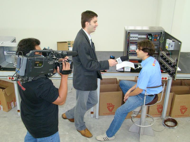 Entrevista realizada pela RIC TV em 2009 sobre o programa de estágios da empresa