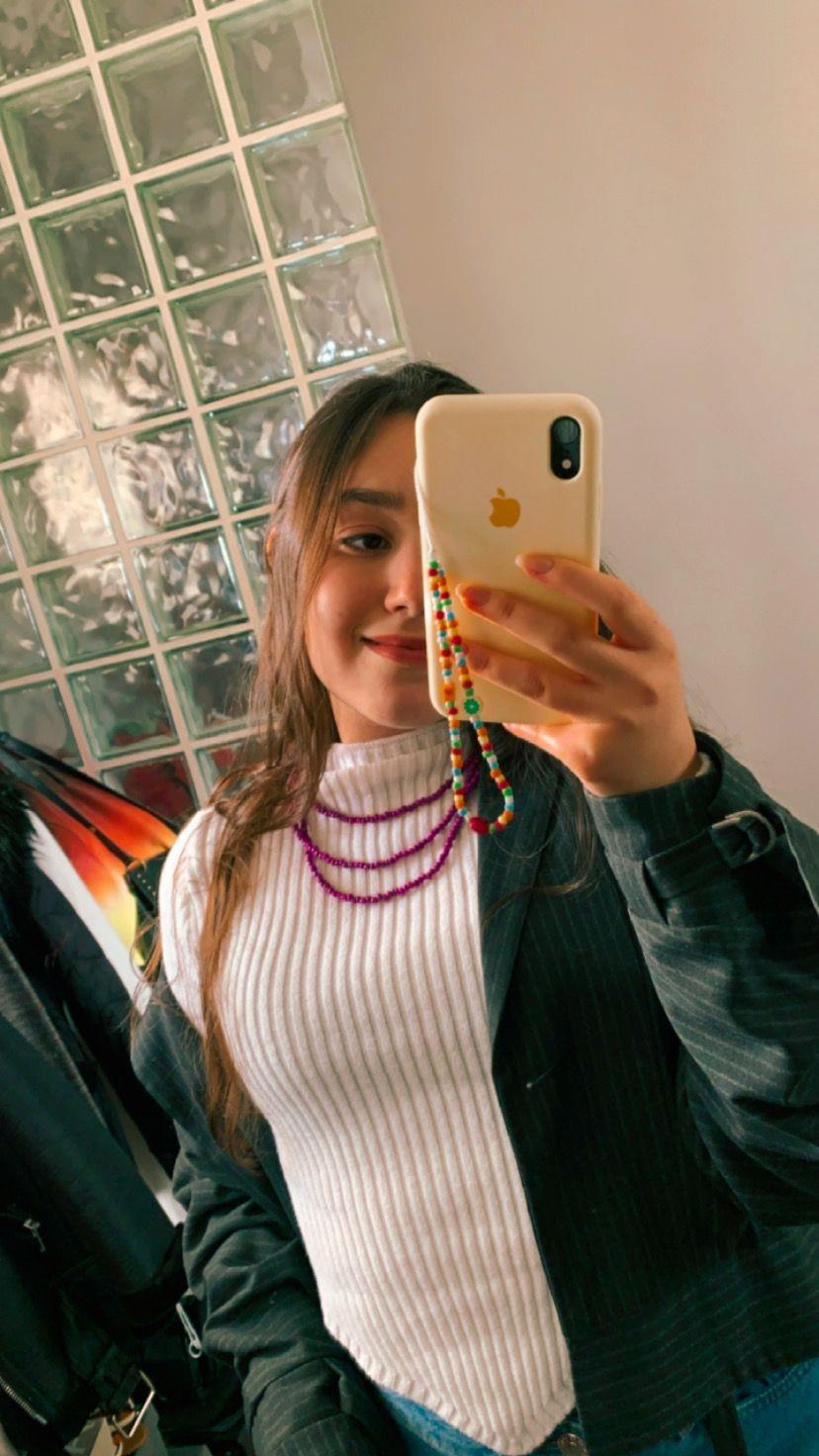 Nas redes sociais, as models publicam as peças que compram de Luiza.