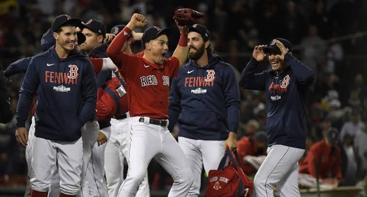Comemoração dos Red Sox ao bater os Yankees no MLB Wild Card.