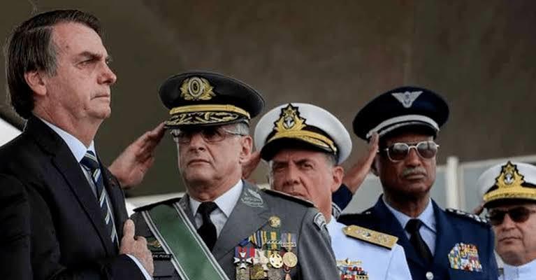 Bolsonaro e militares não estariam em relação harmoniosa