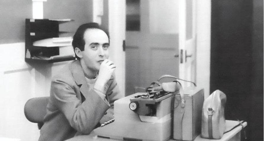 Jornalista Vladimir Herzog em seu trabalho