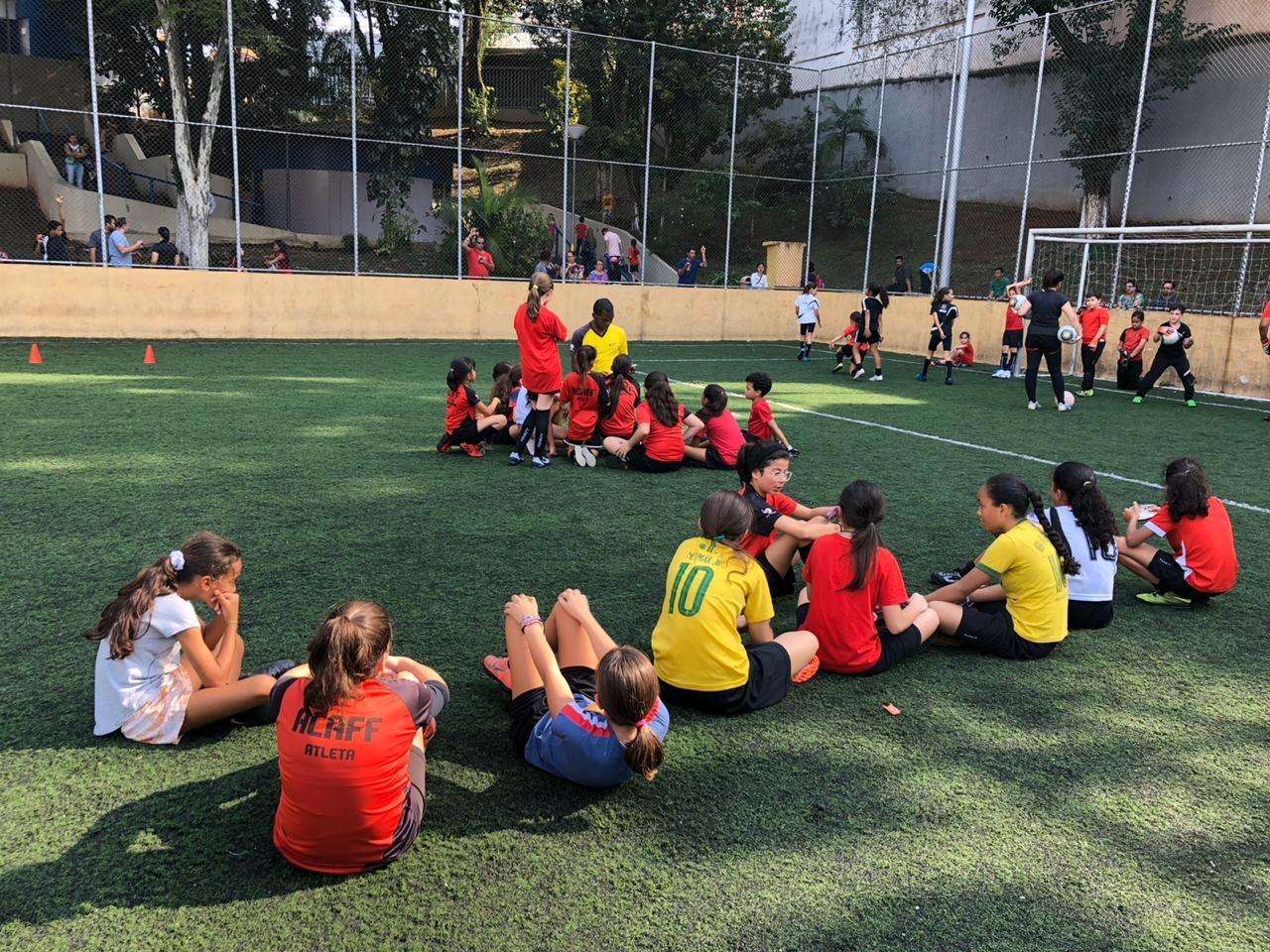 Programa social de futebol feminino