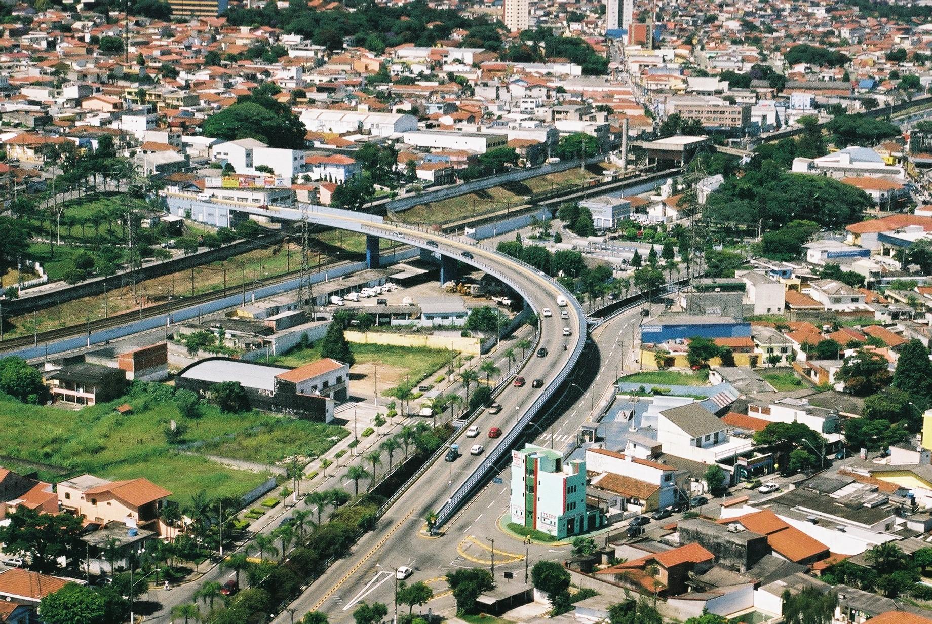 Isabela Flores em Poá Foto 1