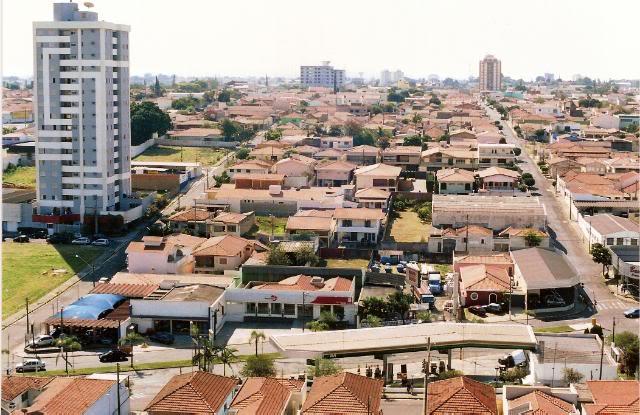 Isabela Flores em Rio claro Foto 1