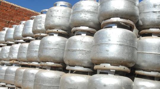 Governo quer reduzir preço do gás de cozinha pela metade em até dois anos, diz Paulo Guedes