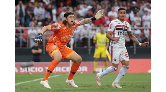 Corinthians segura São Paulo e agora decide o título em casa