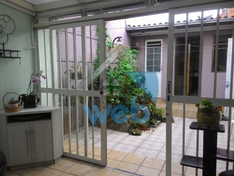 Excelente sobrado no Vista Alegre com 4 quartos (1 suite), sala para 2 ambientes, cozinha, churrasqueira