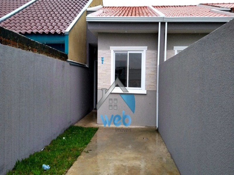 Casa, Campo de Santana, dois quartos, área de serviço, vaga para carro.