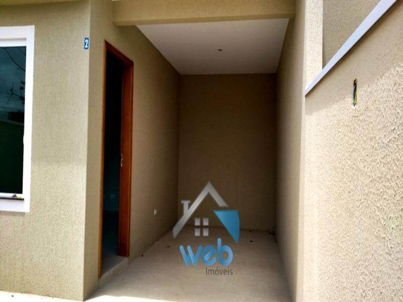 sobrado, campo de santana, dois quartos, garagem, porcelanato, piso laminado.