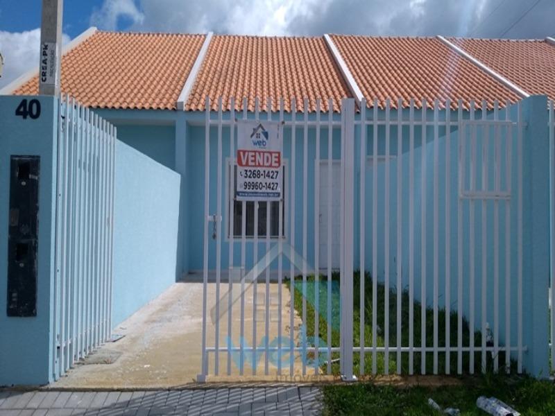 Ótima casa no Vitória Régia com 2 quartos, sala, cozinha independente, banheiro