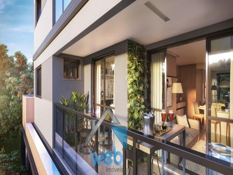 Condomínio de alto padrão no bairro Bom Retiro, próximo as ruas Matheus Leme e Nilo Peçanha, localização nobre e privilegiada em Curitiba.