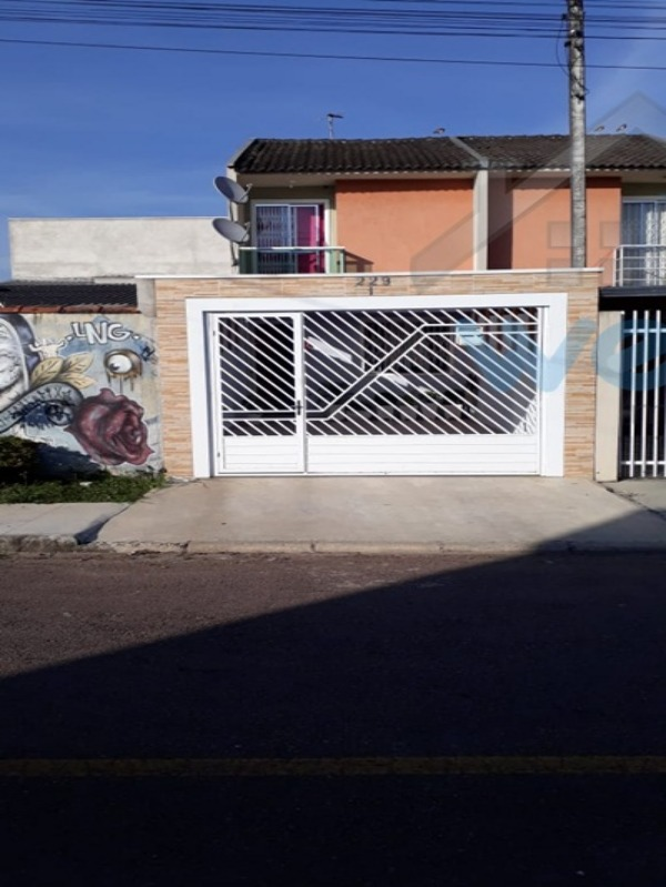 sobrado, semi mobiliado, 2 quartos, garagem coberta, CIC, Vitória Régia