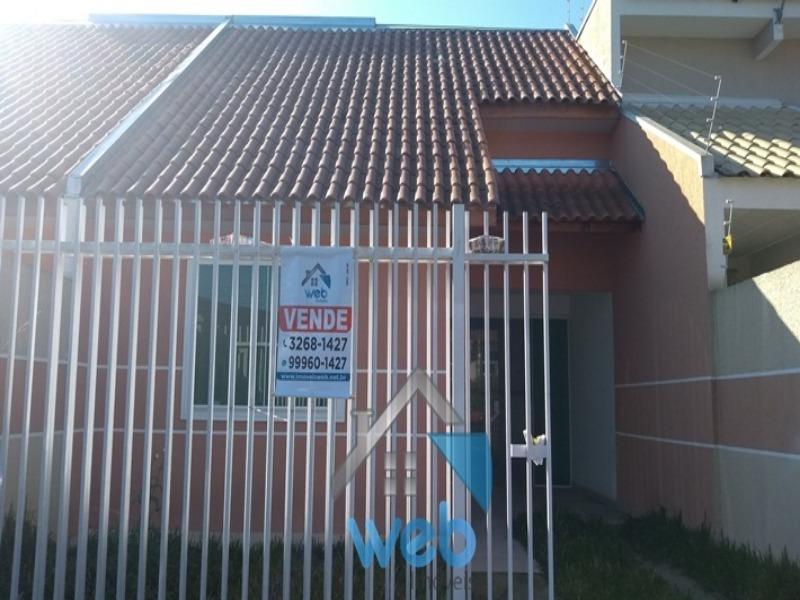 Ótima casa no Vitória Régia com 2 quartos, sala, cozinha, banheiro, preparação para ático