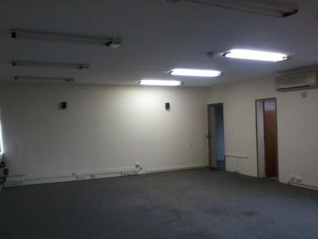Sala comercial para VENDA ou LOCAÇÃO no bairro ANHAGABAU, Jundiaí