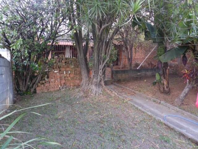 Ótima terreno com 2 casas à VENDA no CENTRO de Jundiaí