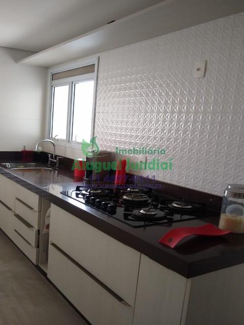Apartamento para locação, em condomínio Alta Vista, ao lado do Jundiaí Shopping, contendo 03 suítes, sendo uma com armários planejados, sala ampla, co