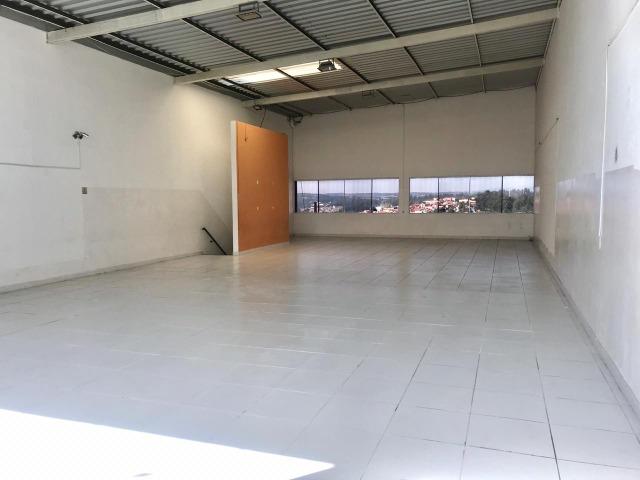 Salão Piso Superior comercial  em Várzea Paulista, próximo a KSB  PISO SUPERIOR: 220 m² com 2 Banheiros