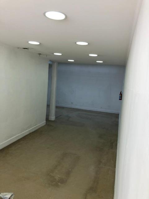 Salão Térreo Comercial para locação (COM CARÊNCIA P/ADAPTAÇÃO) no Centro de Jundiaí com  71m² (possibilidade de ampliação), 1 banheiro/lavabo SEM VAGA