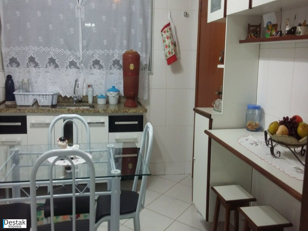 Casa em Aero Clube  -  Volta Redonda - RJ