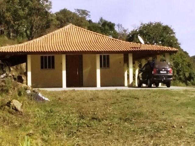 EXCELENTE CHACARA COM AREA DE 13.000 M2. LOCALIZAD