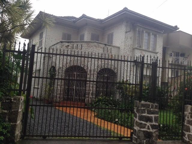 Casa à venda  no Centro - Joinville, SC. Imóveis