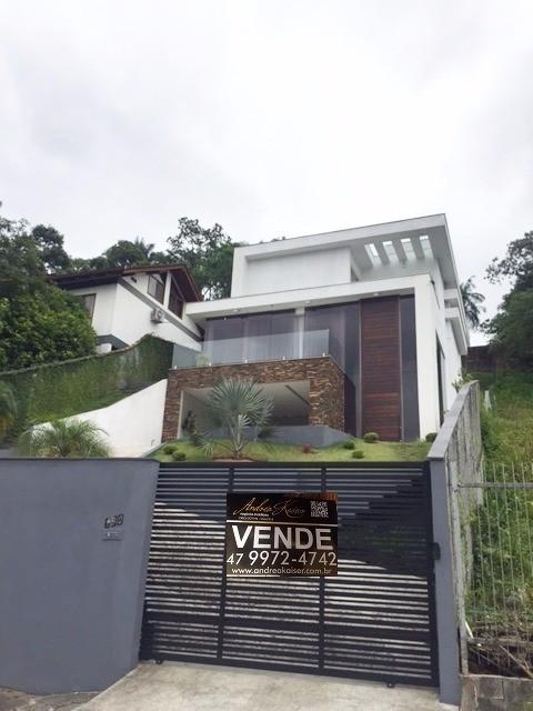 Casa à venda  no Atiradores - Joinville, SC. Imóveis