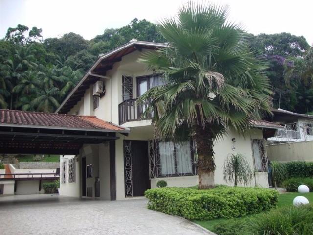 Casa à venda  no Glória - Joinville, SC. Imóveis