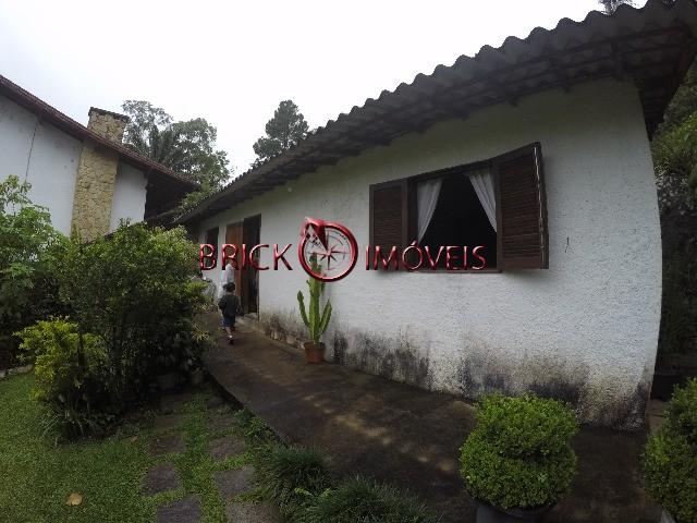 Casa de 7 quartos sendo 4 suítes no Comary, Teresópolis/RJ.