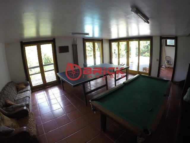 Casa em condomínio com vista privilegiada e 4 quartos no Comary, Teresópolis/RJ