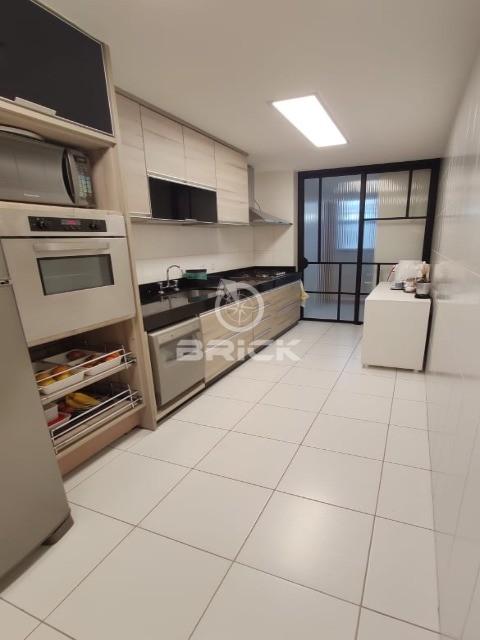 Apartamento de 3 quartos, sendo 2 suítes, no bairro de Agriões.