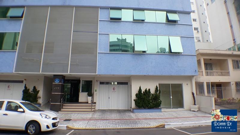 SALA COMERCIAL TÉRREA - COM 80 M² - NO BAIRRO DOS PIONEIROS - EDIFÍCIO LAC LEMAN.