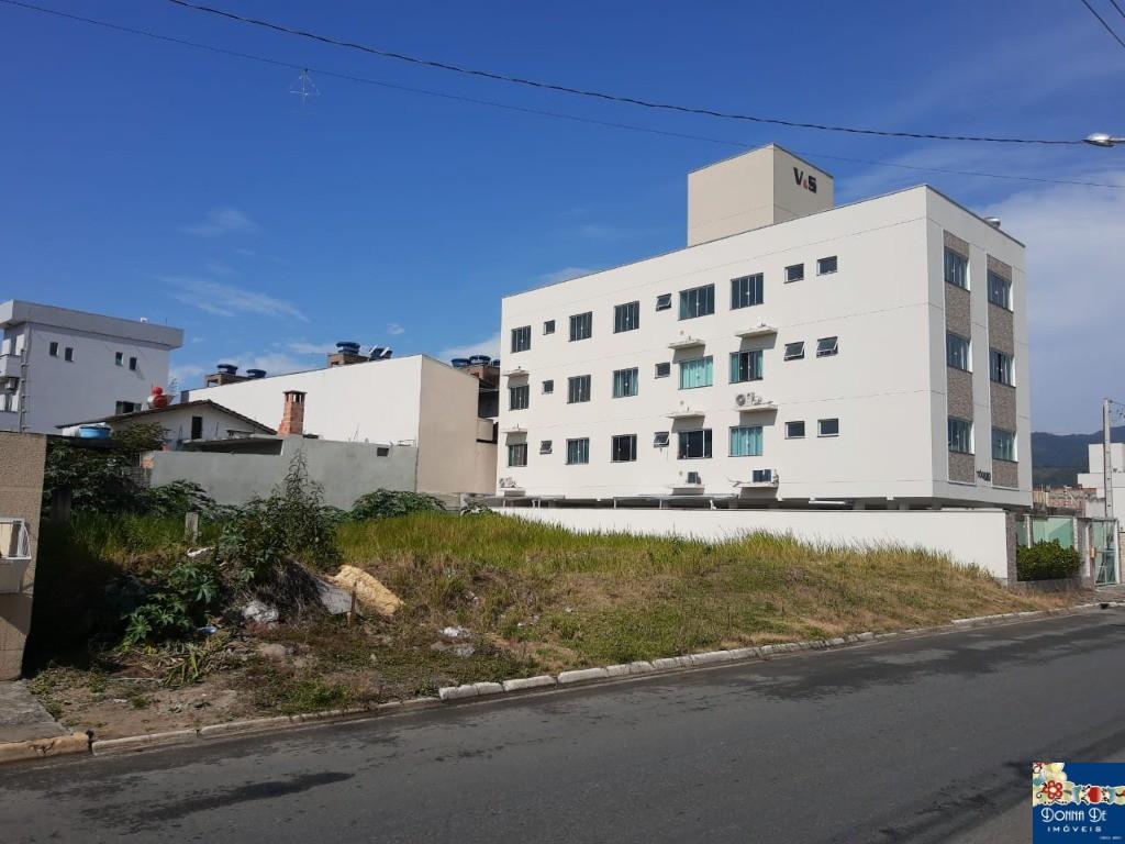LOTEAMENTO DONA CLARA - LOTES DE 312M² - NO BAIRRO SANTA REGINA.