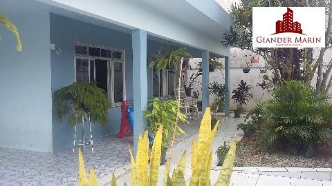 Casa com 4 Dormitórios no Centro de Navegantes