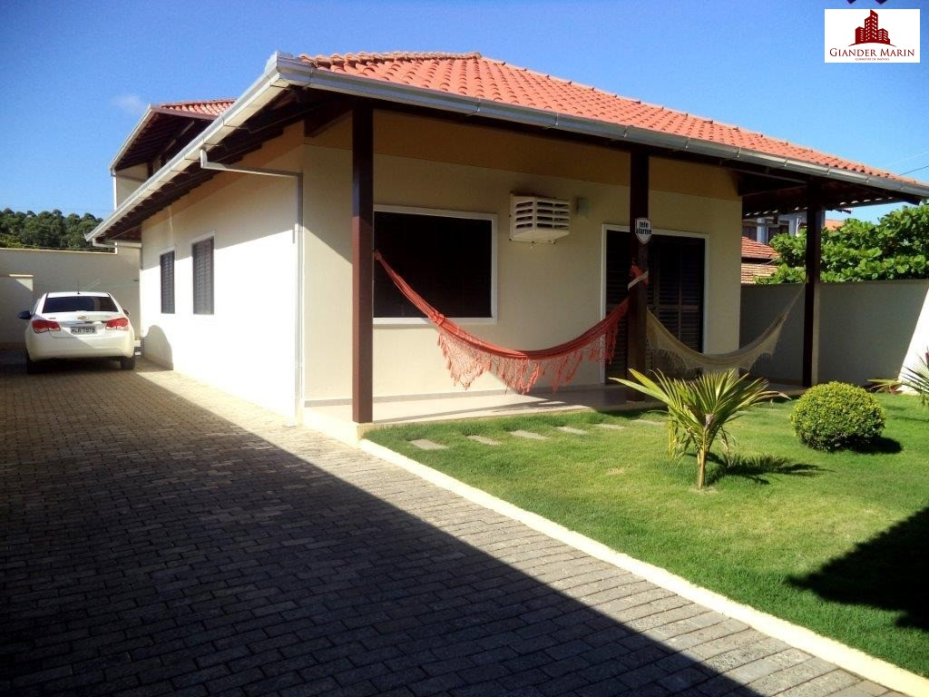 Linda casa em Navegantes perto do Mar