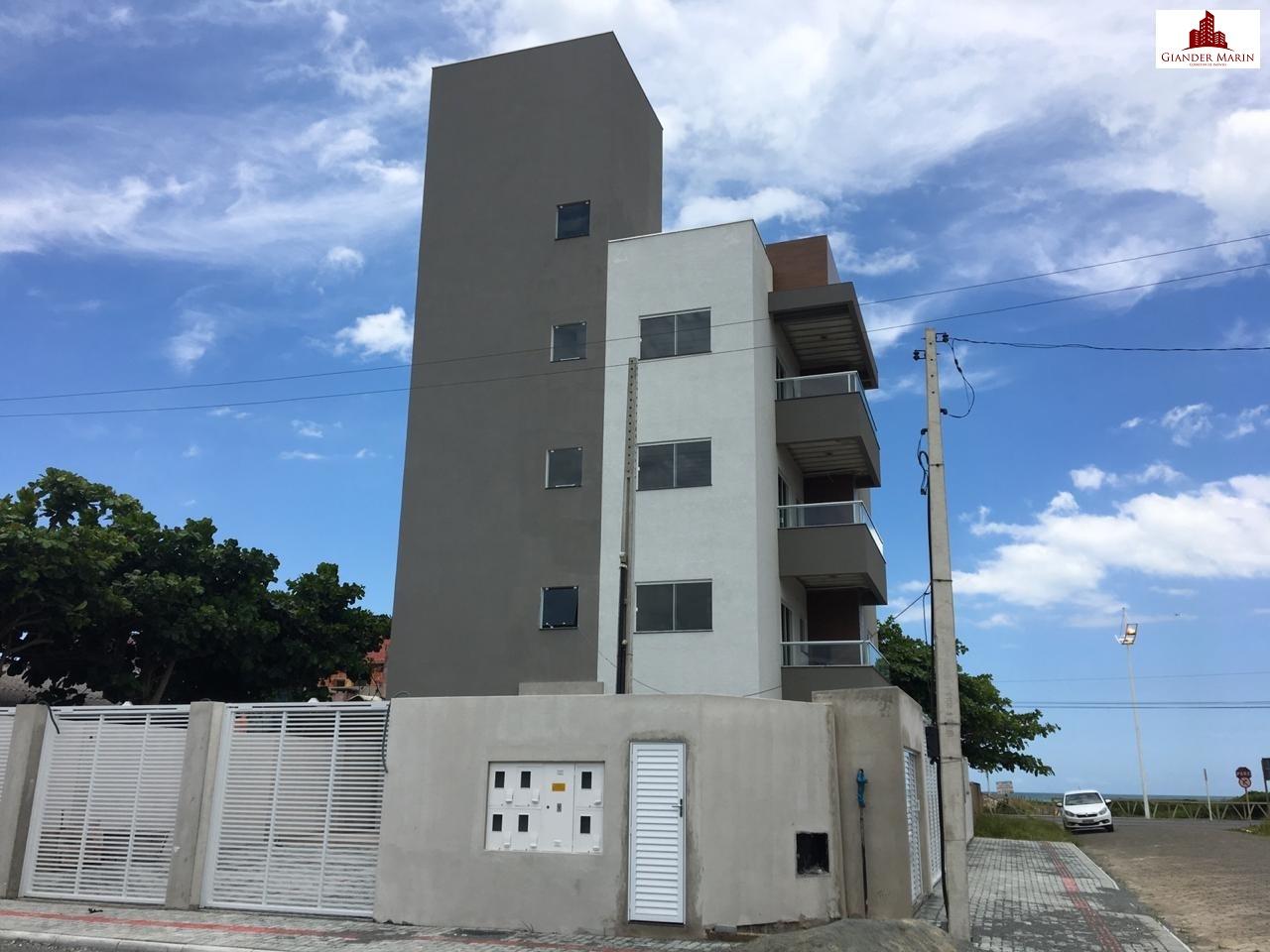 Apartamento com 3 quartos a poucos metros do mar
