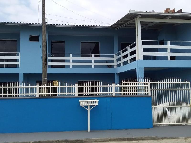 Oportunidade de investimento  Casa em Navegantes SC 3 dormitórios (1suite) Sala, cozinha ,. lavanderia , garagem coberta ,  Apenas 600m do mar  Região