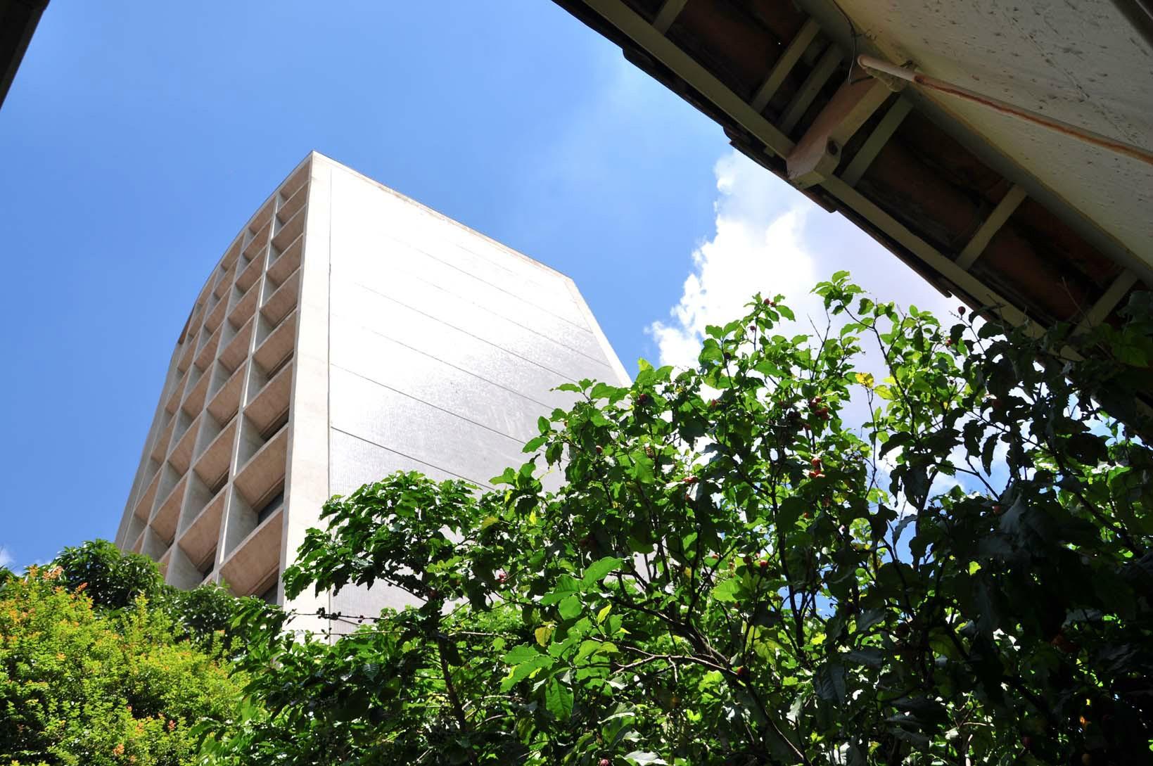 Prédio de 3 dormitórios em Cambui, Campinas - SP