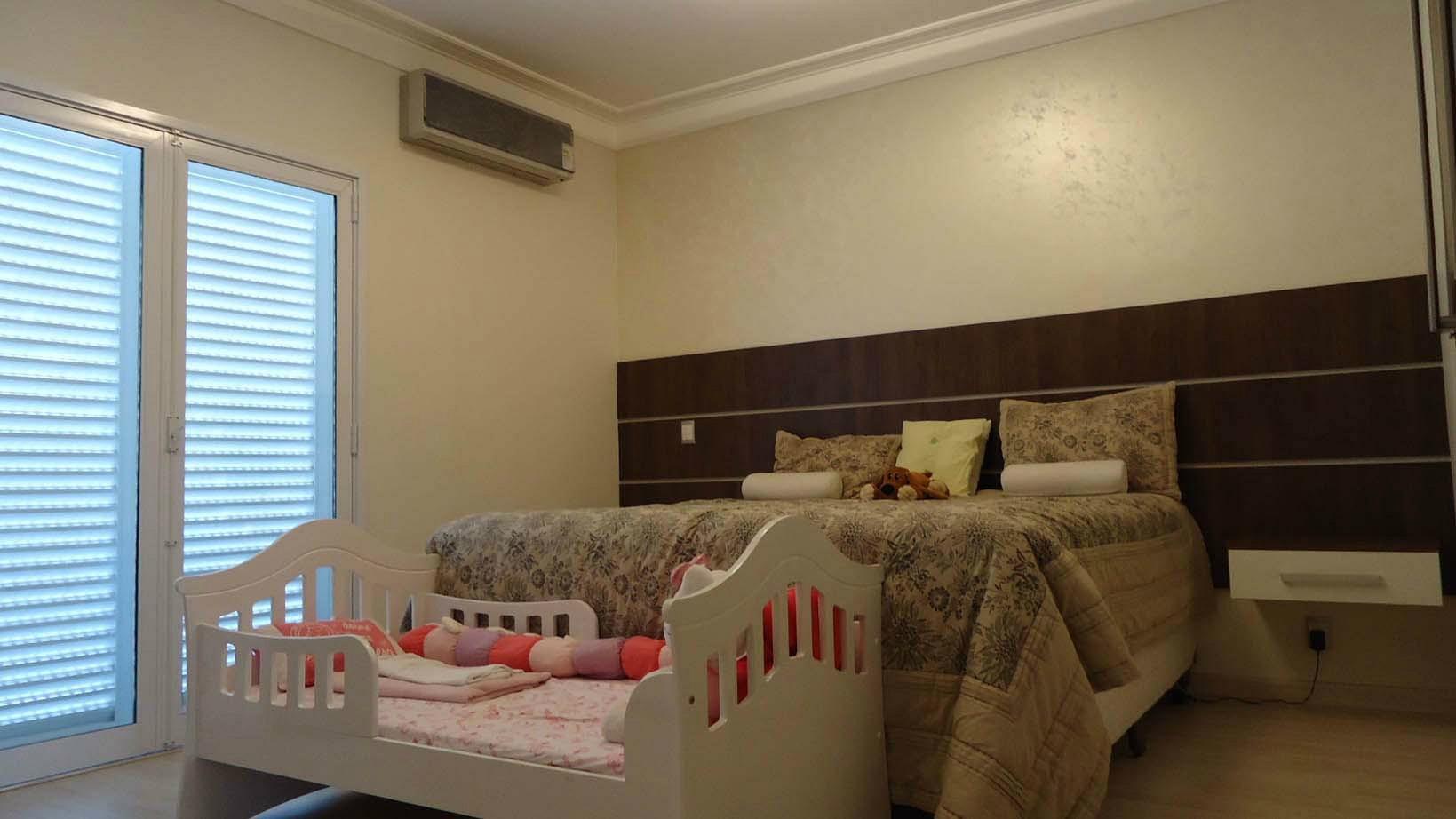 Sobrado de 4 dormitórios em Alphaville Dom Pedro, Campinas - SP